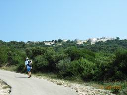 Island Cres walk - beach to village of Ustrine